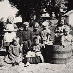 (Dansk) Foredrag: Hvis fotografier kunne tale … Historiske fotos af Johannes Hage, Nivaagaard og omegn
