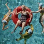 (Dansk) AFLYST – Filmfredag: 'Aqua Mamas' inkl. præsentation og Q&A med filmens instruktør
